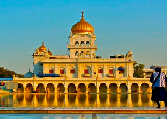 tourist places in delhi, historical places in delhi, bangla sahib gurudwara