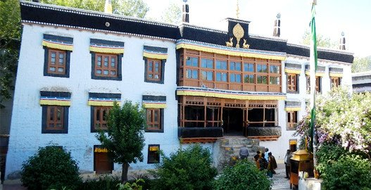 delhi to leh bus booking, leh ladakh tour package from delhi, ladakh tour packages
